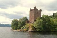 Loch Ness Aquart castle