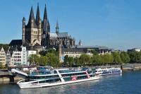 KD Rheinschiffahrt Panoramafahrt durch Köln | MS Rheinfantasie vor Dom und Altstadt | 365Tickets Germany