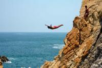 Cliff divers show