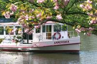 Grosse Hamburg-Entdecker-Tour - unterwegs mit dem Doppeldecker, auf der Alster und im Hafen