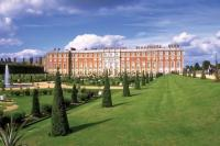 Hampton Court Palace grounds