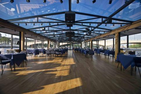 Bateaux London dining deck