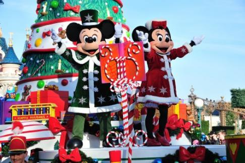 Mickey & Minnie in Christmas parade