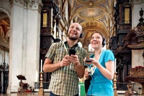 St Paul's visitors using multimedia guide