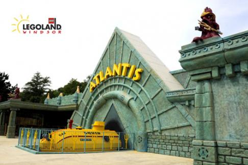 Legoland Windsor Theme Park entrance