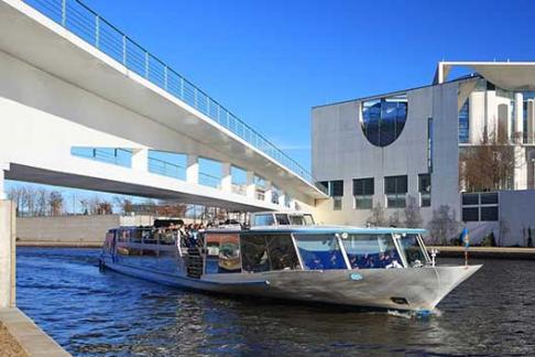 365Tickets DE Neue Citytour auf der Spree ab Friedrichstrasse