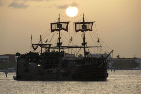 Image of Captain Hook Pirate Ship - Lobster Dinner