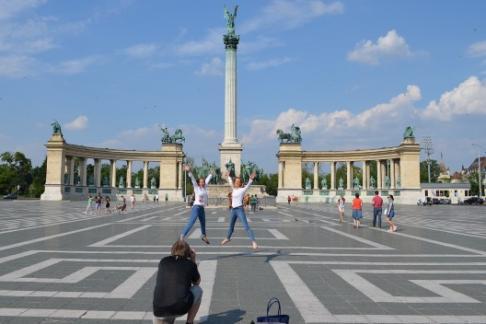 365 Tickets CA Budapest Grand City Tour + Parliament