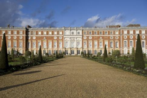 Click to view details and reviews for Hampton Court Palace Windsor Castle.