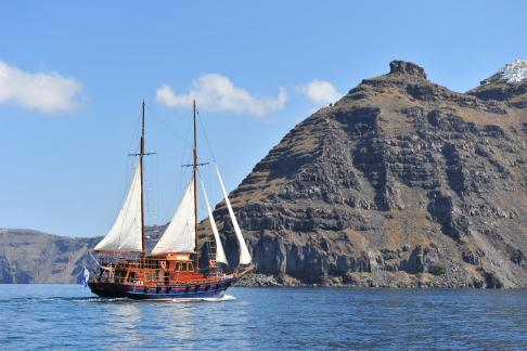 Sport & adventure Full Day boat tour and Sunset Tour in Oia