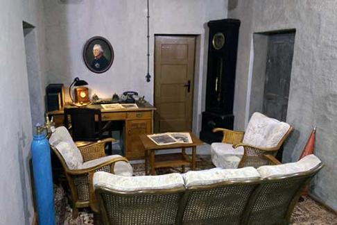 berlin story bunker berlin story museum hitler wie. Black Bedroom Furniture Sets. Home Design Ideas