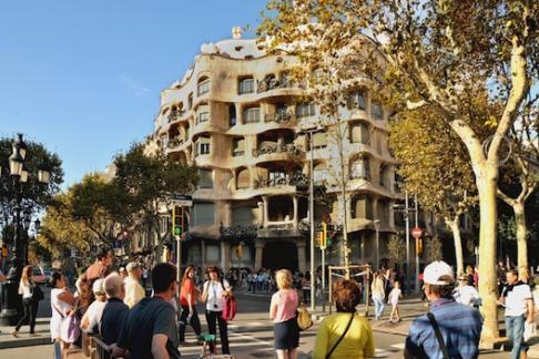 Barcelona Hop On Hop Off Bus tour Barcelona Modernistic