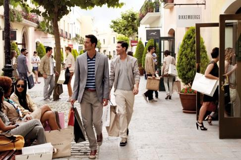 Exclusive shopping day at la roca village with 25 gift for Las rocas outlet barcelona