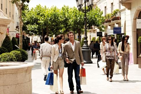 365Tickets IE La Roca Village Shopping Express™ Service