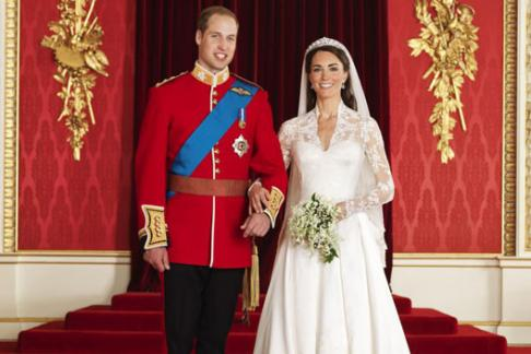 Kate and William official wedding photograph