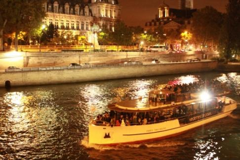 Sightseeing Cruise of Paris by Night