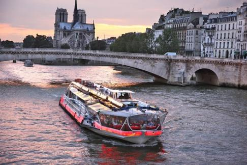 Bateaux Mouches Sightseeing Cruise